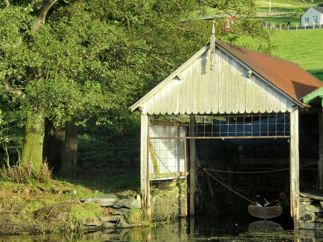 File:Swallow's boatshed .jpg