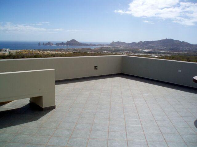 File:AUP Roof.jpg