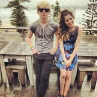 Laura Marano and Ross Lynch9