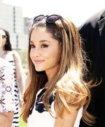 Ariana Grande8