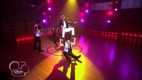 Austin & Ally - Sports & Sprains-0