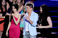 Laura+Marano+Teen+Choice+Awards+2012+Show+RxOYSJIeqBll