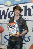 Calum Worthy Welch's