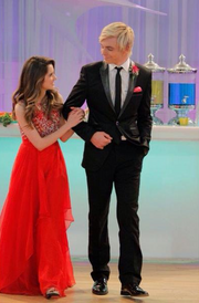 Auslly at prom!