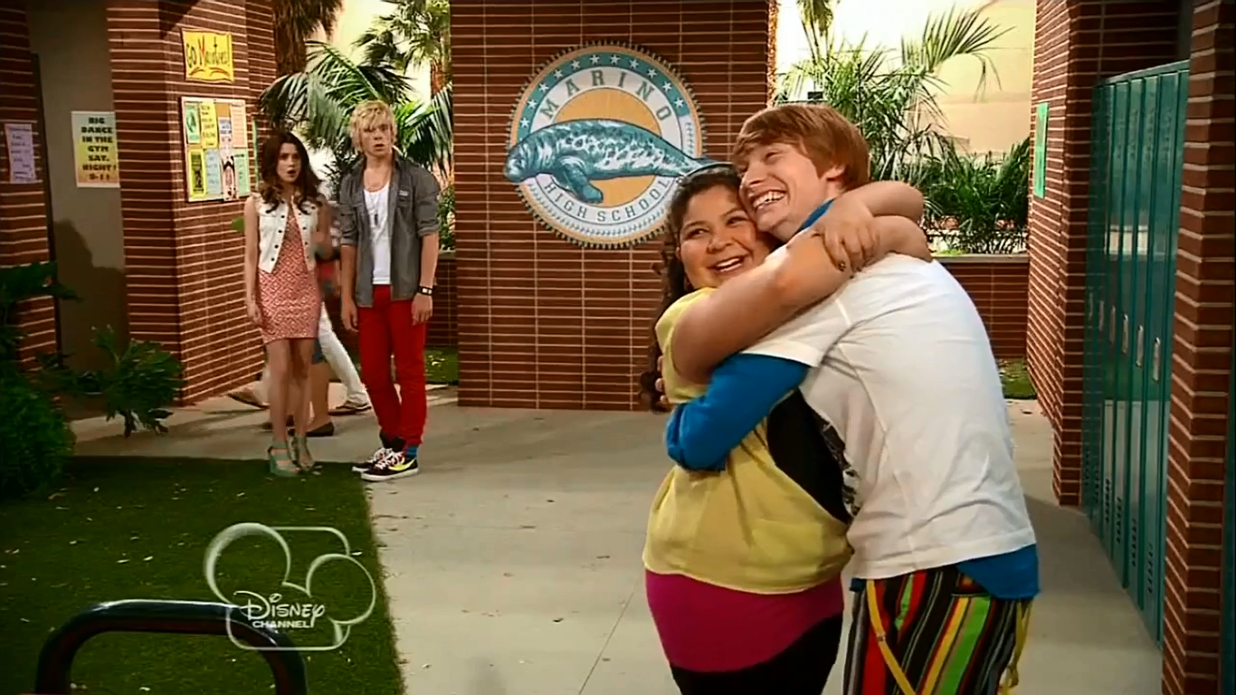 Are dez and trish dating in real life from Austin and ally