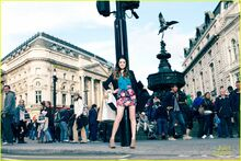 Laura-marano-austin-ally-london-01