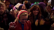 Austin & Jessie & Ally Can You Feel It (15)