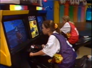 Arcade driving game