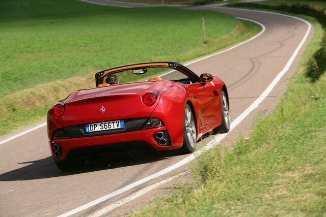 File:Ferrari-California-HELE-003.jpg