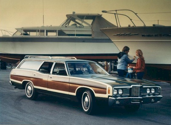 File:1972 Ford Country Squire.jpg