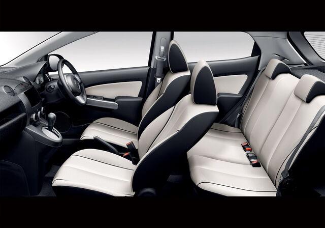 File:Mazda2-Demio-2009-4.jpg