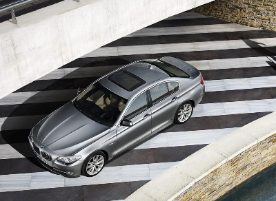 File:2011 BMW 5-Series Gallery 1259007101576small.png