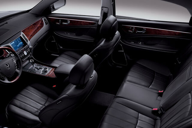 File:2011-Hyundai-Equus-25.JPG