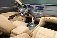 2010-honda-crosstour-interior -(1)