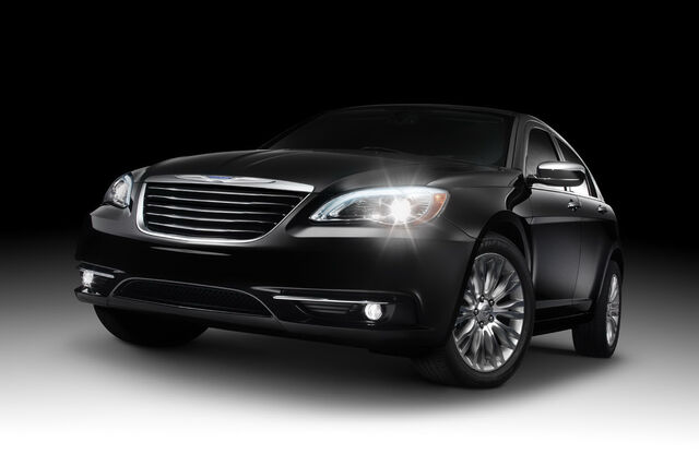 File:2011-Chrysler-200-2.JPG