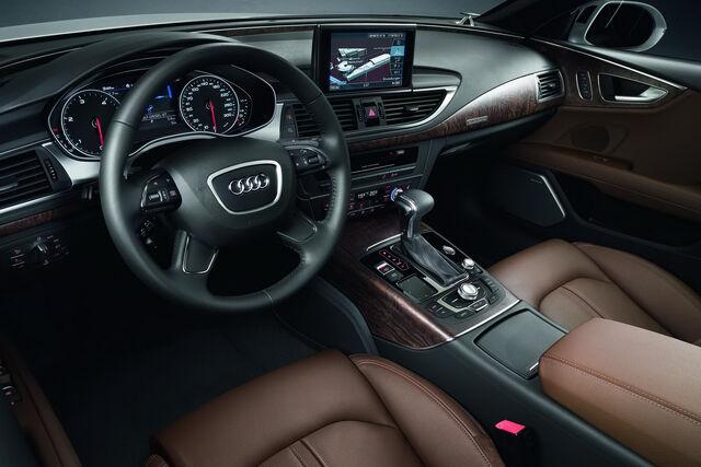 File:Audi-A7-Sportback-70.jpg