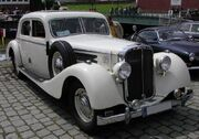 800px-Maybach-Limousine