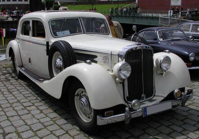File:800px-Maybach-Limousine.jpg
