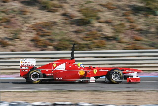 File:F1 2011 Test Jerez 23.jpg