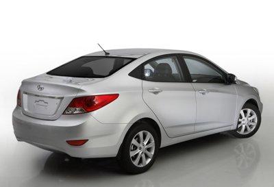 2011-Hyundai-Solaris-10small