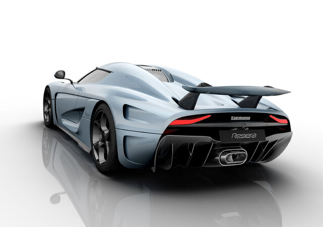 File:Koenigsegg Regera wing up.jpg