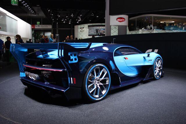 File:Bugatti-vision-gran-turismo-concept--2015-frankfurt-motor-show-live-photos 100528340 h.jpg