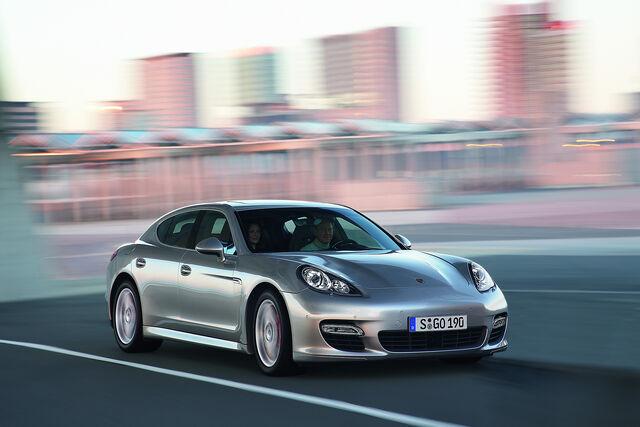 File:Porsche-Panamera-Shanghai-10.jpg