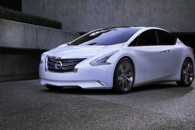 File:Nissan-Ellure-45.JPG