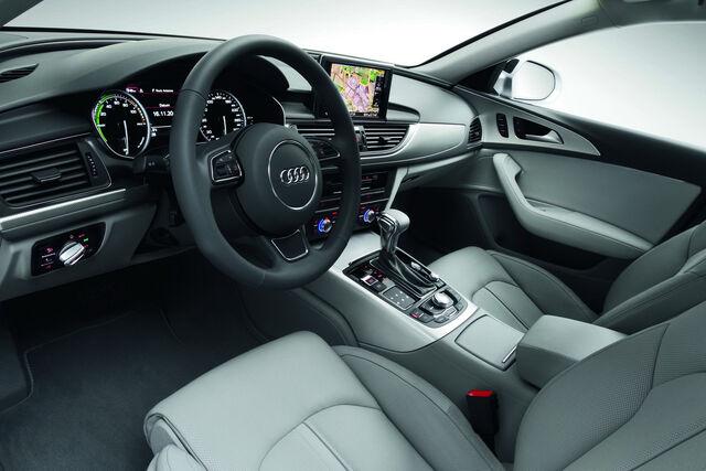 File:2012-Audi-A6-70.jpg