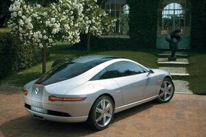 Renault-fluence-rear-3-4