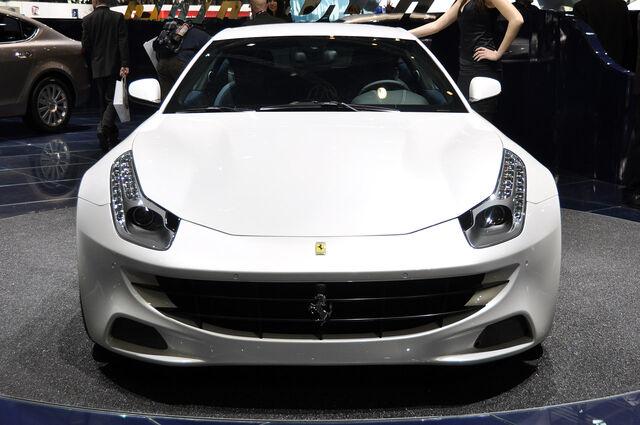 File:2012-Ferrari-FF-28.jpg