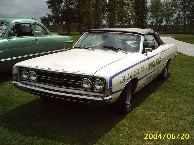 File:Ford Torino Indy 500 pace car.jpg