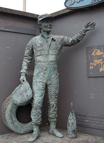 File:Ayrton Senna Statue - Donington Park.JPG