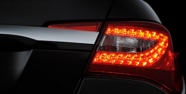 File:2011-Chrysler-200-Carscoop-4.jpg