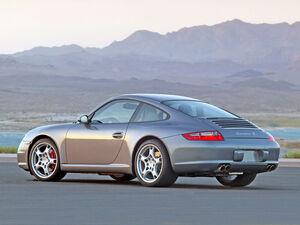 800px-2005-Porsche-911-Carrera-S