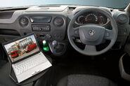 Opel-Vauxhall-Movano-14