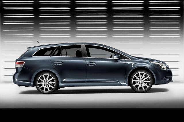 File:Toyota-Avensis-2009-3.jpg