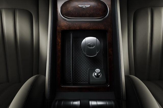 File:2011-Benltey-Continental-GT-21.jpg