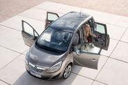 2010-Opel-Meriva-04
