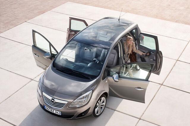 File:2010-Opel-Meriva-04.jpg