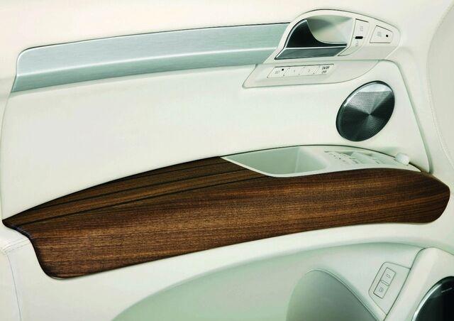 File:Audi Q7 V12 TDI Coastline Concept 6.jpg