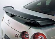 Nissan-GT-R 2011 12
