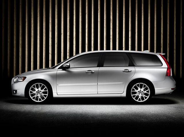 File:Volvo-V50 1.jpg