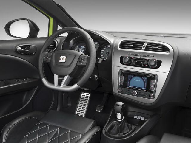 File:2010-SEAT-Leon-Cupra-R-6.jpg