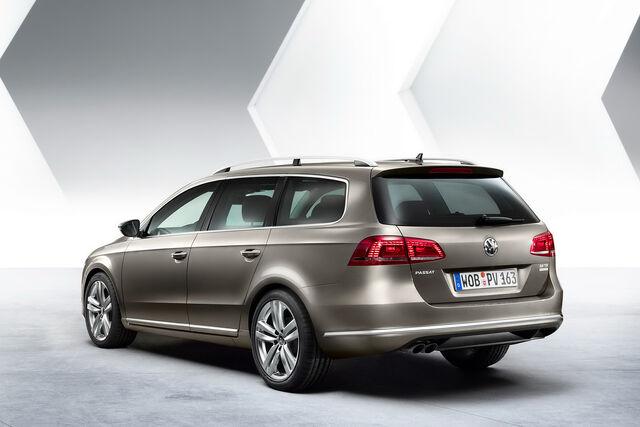 File:2011-VW-Passat-4.jpg