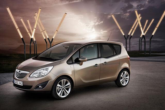 File:2010-Opel-Meriva-02.jpg