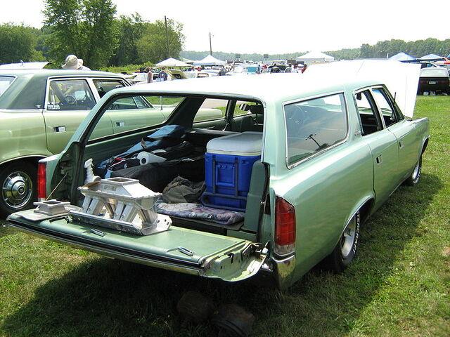 File:1973 AMC Matador wagon rr-Cecil'10.jpg