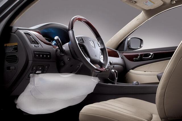 File:2011-Hyundai-Equus-14.JPG