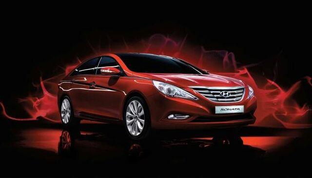 File:2011 Hyundai Sonata 2.jpg