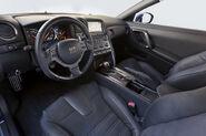 2012-Nissan0GT-R-140